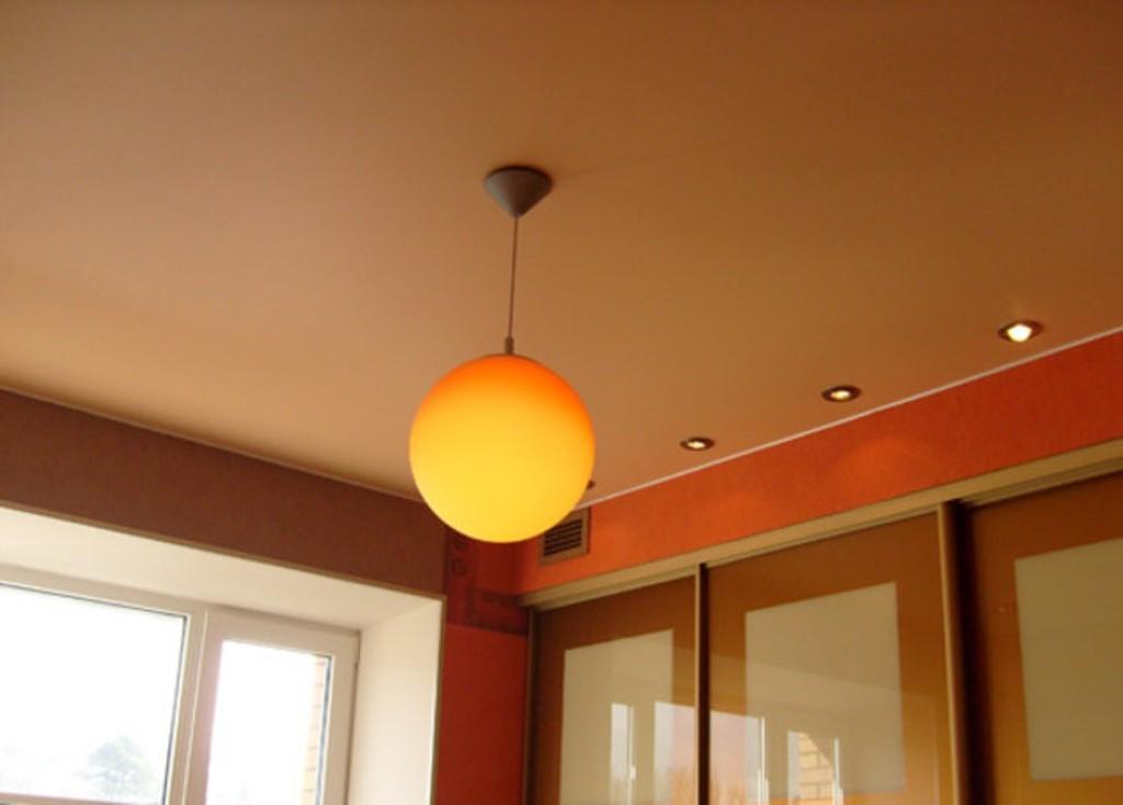 Матовый натяжной потолок (7)