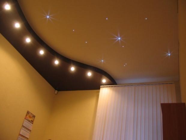 Натяжные потолки в зал, гостиную (10)