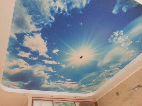 Натяжной потолок с 3Д эффектом неба смотрится потрясающе
