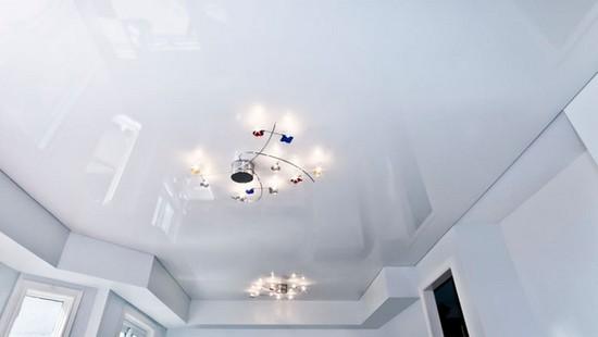 Белый натяжной потолок наиболее востребованный