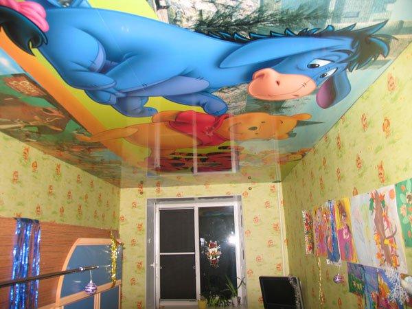 Натяжной потолок с изображением героев мультиков