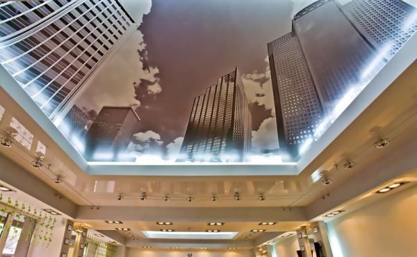 Натяжной потолок с изображением архитектуры