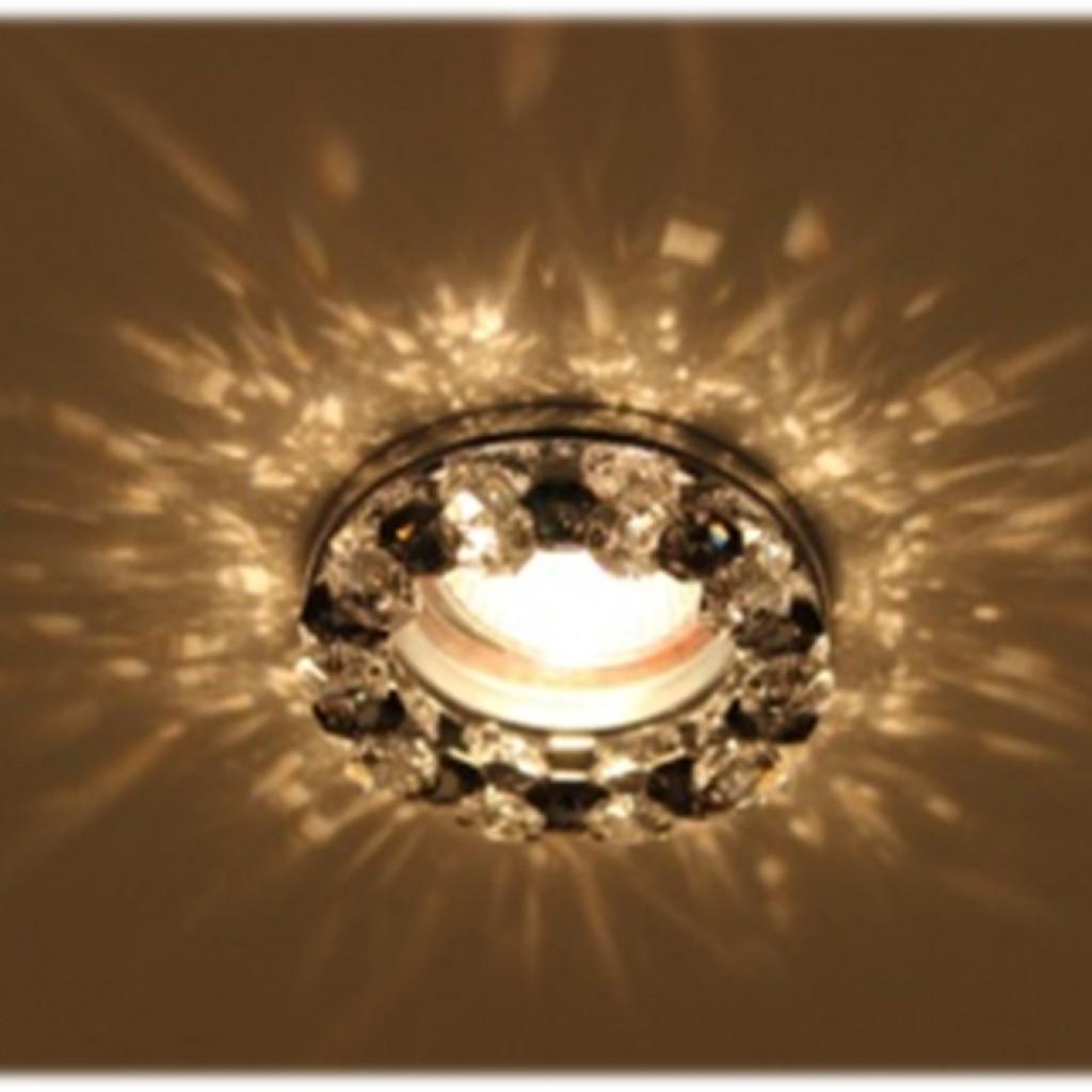 Встраиваемый светильник - неброский и компактный элемент